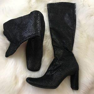 NEW Sz 6 Black snakeskin boots